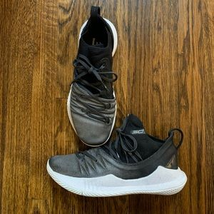 Under Armour Curry 5 Basketball Sneakers, Mens 8